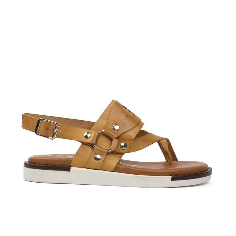 Sandalia de tacón plano marrón y blanca